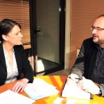 Au travail avec le directeur des services économiques de la ville, Thierry Deslot